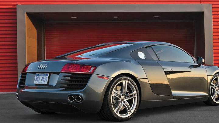 Side Back Pose Audi R8 In Grey